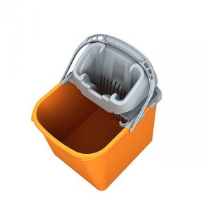 Bucket with a squeezer