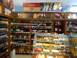 Shelf for alcohol